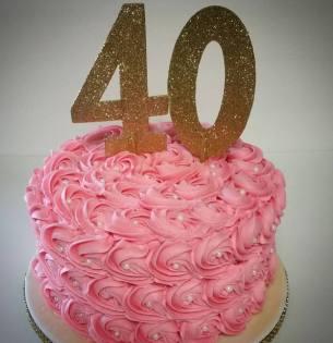 40-themed-cake